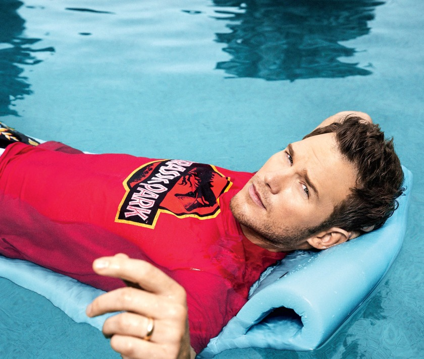 Chris-Pratt-Entertainment-Weekly-Pool-Photo-Shoot-002